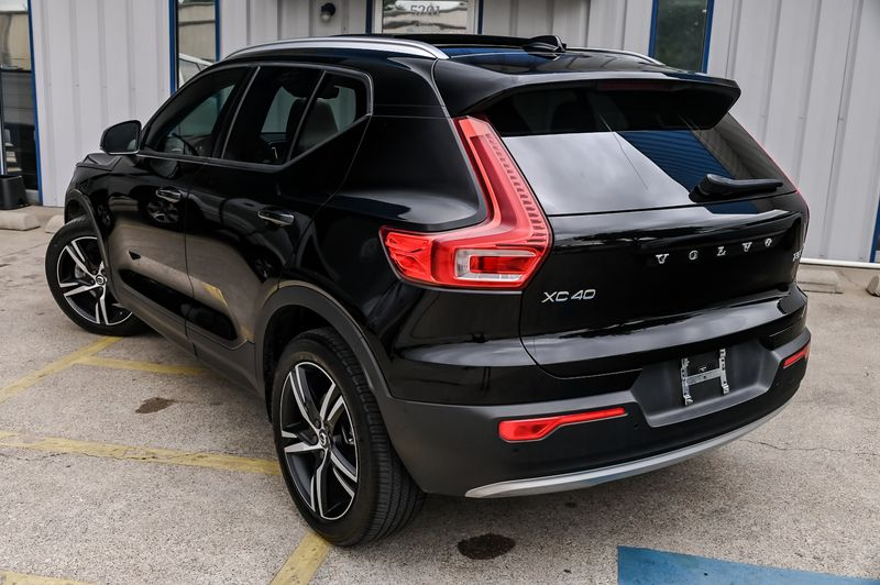 2019 Volvo XC40 AWD Momentum NAVIGATION/VISION PKG WITH PANO ROOF in Rowlett, Texas