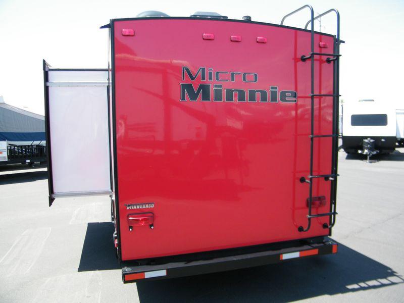 2019 Winnebago Micro Minnie 1808FBS  in Surprise, AZ
