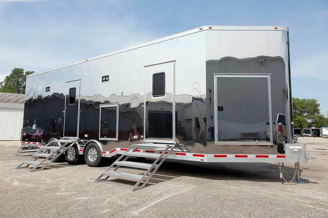 2020 Atc Quest – 32' Custom Multiroom Trailer w/Stainless Steel Exterior