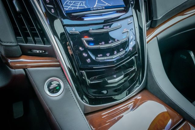 2020 Cadillac Escalade ESV Luxury in Memphis, Tennessee 38115