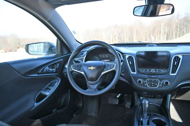 2020 Chevrolet Malibu LT Naugatuck, Connecticut 15