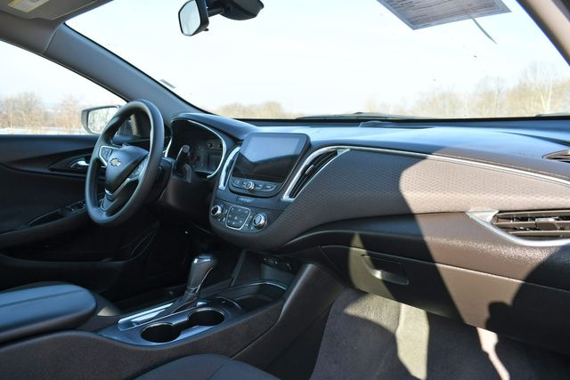 2020 Chevrolet Malibu LT Naugatuck, Connecticut 8