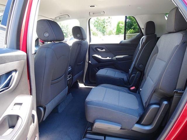 2020 Chevrolet Traverse LT Cloth Madison, NC 30