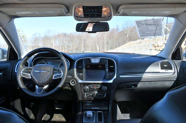 2020 Chrysler 300 Limited AWD Naugatuck, Connecticut 18