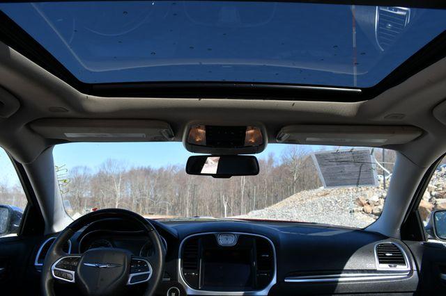 2020 Chrysler 300 Limited AWD Naugatuck, Connecticut 20