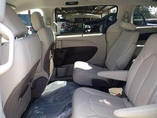2020 Chrysler Pacifica Touring L Houston, Mississippi 7