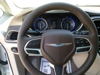 2020 Chrysler Pacifica Touring L Houston, Mississippi 11