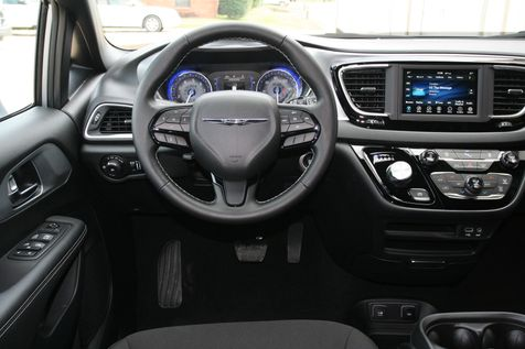2020 Chrysler Pacifica Touring in Vernon, Alabama