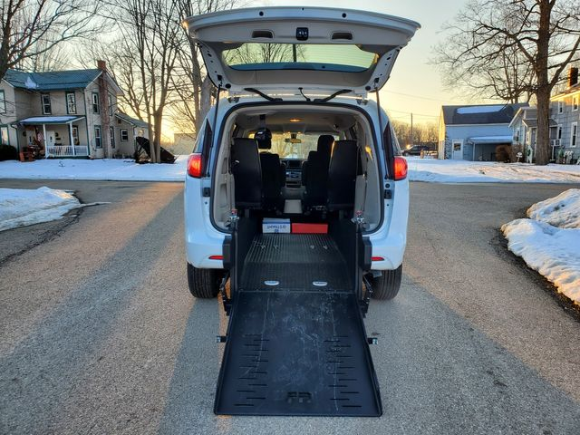 2020 Chrysler Voyager WHEELCHAIR ACCESSIBLE Van Rear Loading Ramp 2 WCs in Alliance, Ohio 44601
