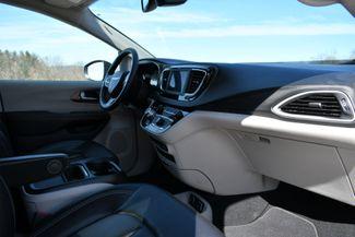 2020 Chrysler Voyager LXI Naugatuck, Connecticut 10