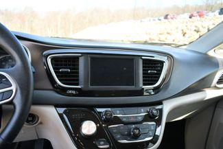 2020 Chrysler Voyager LXI Naugatuck, Connecticut 23