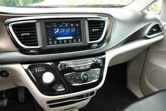 2020 Chrysler Voyager LXI Naugatuck, Connecticut 21