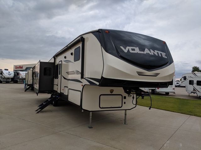 2020 Crossroads VOLANTE VL370BR20 in Mandan, North Dakota 58554