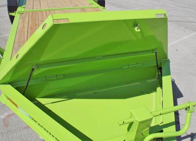 2020 Diamond C **SALE** 25' Triple Axle Hydraulic Damping Tilt in Fort Worth, TX 76111