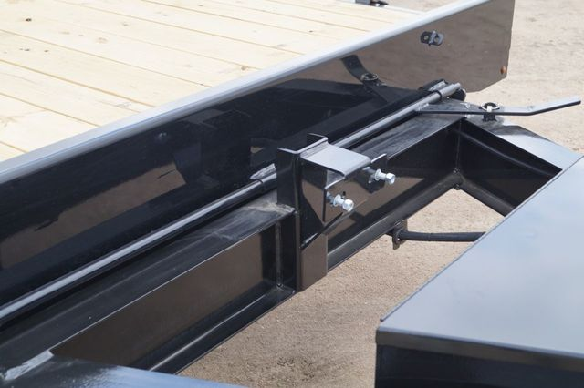 2020 Diamond C 22' DEC Deck Over Power Tilt in Fort Worth, TX 76111