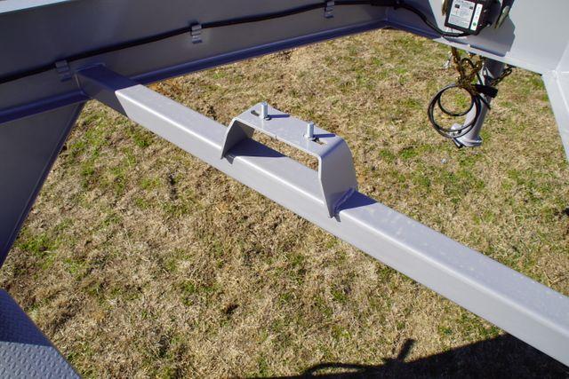 2020 Diamond C HDT 25' Triple axle tilt Gooseneck in Fort Worth, TX 76111
