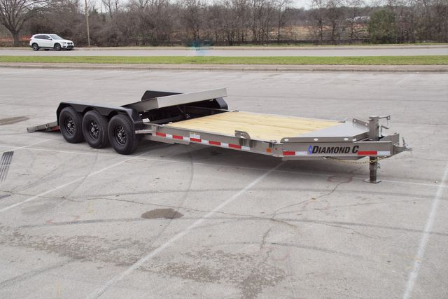 2020 Diamond C Hydraulic Dampening Tilt 25' TRIPLE AXLE