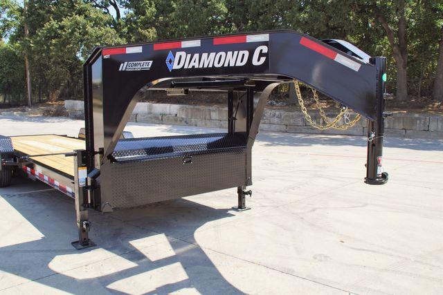2020 Diamond C HDT 25' TRIPLE AXLE TILT GOOSENECK in Keller, TX 76111