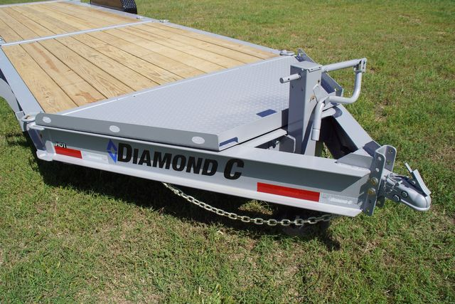2021 Diamond C Hydraulic Damping Tilt in Keller, TX 76111