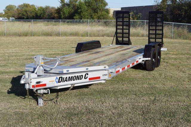 2020 Diamond C LPX 22' HD SPRING RAMP