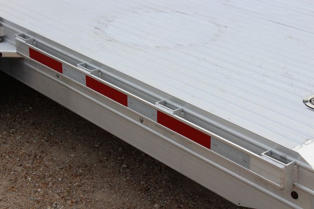 2020 Featherlite 3110 - 24' Flat Bed 24' RAISED DECK Car Trailer RUB RAILS CONROE, TX 14
