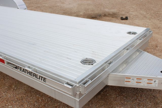 2020 Featherlite 3110 - 24' Flat Bed 24' RAISED DECK Car Trailer RUB RAILS CONROE, TX 2