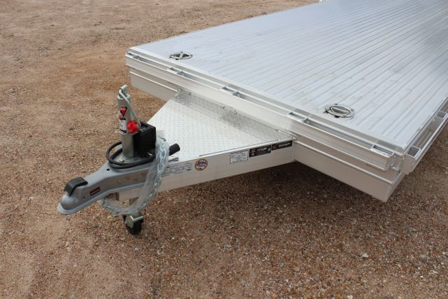 2020 Featherlite 3110 - 24' Flat Bed 24' RAISED DECK Car Trailer RUB RAILS CONROE, TX 6