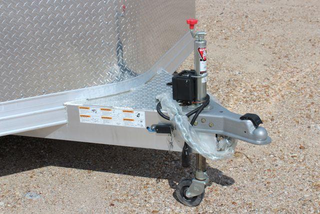 2020 Featherlite 4926 - 20 20' ENCLOSED CAR HAULER CONROE, TX 3