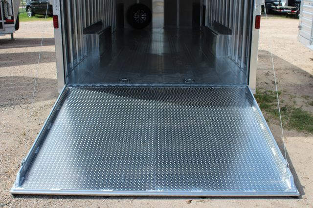 2020 Featherlite 4926 24' ENCLOSED BUMPER PULL CAR TRAILER 8.5' WIDE 7'T CONROE, TX 15