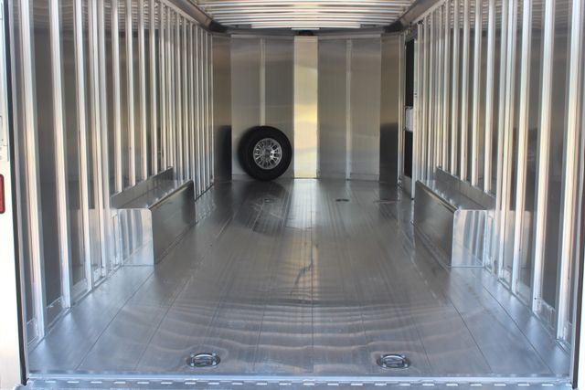 2020 Featherlite 4926 24' BUMPER PULL ENCLOSED CAR HAULER CONROE, TX 18