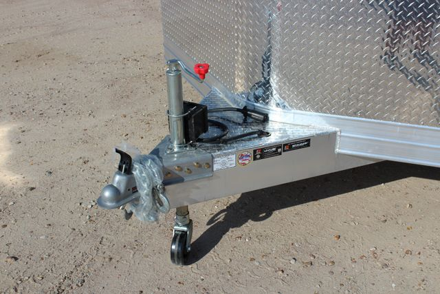 2020 Featherlite 4926 24' BUMPER PULL ENCLOSED CAR HAULER CONROE, TX 4