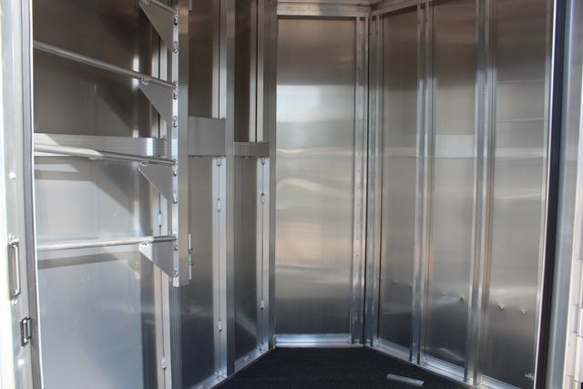 """2020 Featherlite 7441 - 2 HORSE TWO HORSE - BUMPER PULL - 24"""" DRESSING ROOM - 7' W CONROE, TX 21"""
