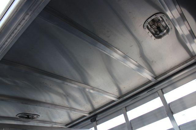 2020 Featherlite 8107 16' BUMPER PULL LIVESTOCK TRAILER CONROE, TX 25