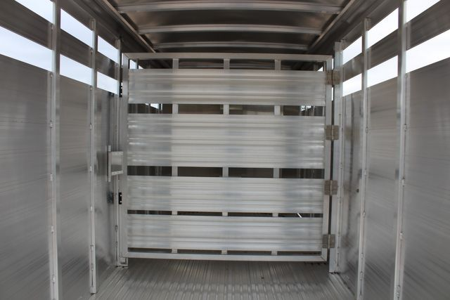 2020 Featherlite 8107 16' - LIVESTOCK - CATTLE TRAILER - ALUMINUM FLOOR CONROE, TX 16