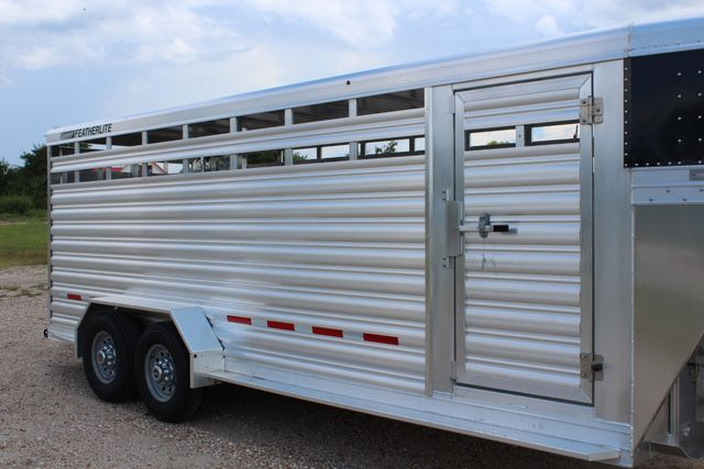 2020 Featherlite 8117 - 20 STOCK 20' GN LIVESTOCK & CATTLE CONROE, TX 1