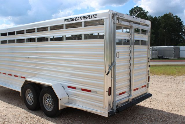 2020 Featherlite 8117 - 20 STOCK 20' GN LIVESTOCK & CATTLE CONROE, TX 11