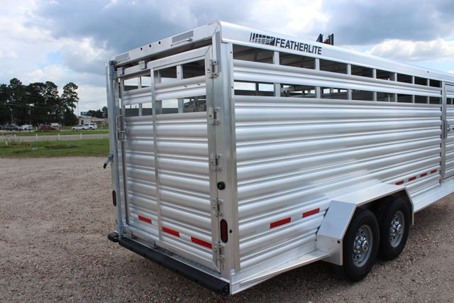 2020 Featherlite 8117 - 20 STOCK 20' GN LIVESTOCK & CATTLE CONROE, TX 17