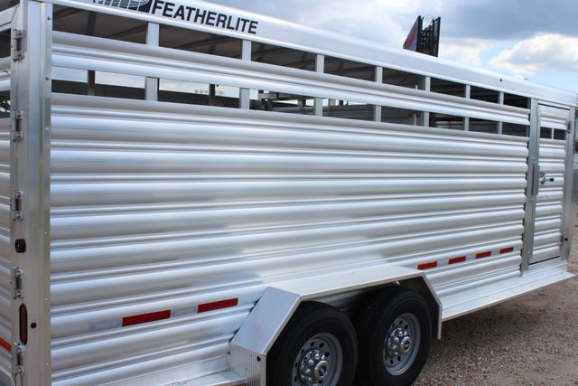 2020 Featherlite 8117 - 20 STOCK 20' GN LIVESTOCK & CATTLE CONROE, TX 18