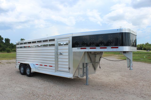 2020 Featherlite 8117 - 20 STOCK 20' GN LIVESTOCK & CATTLE CONROE, TX 23