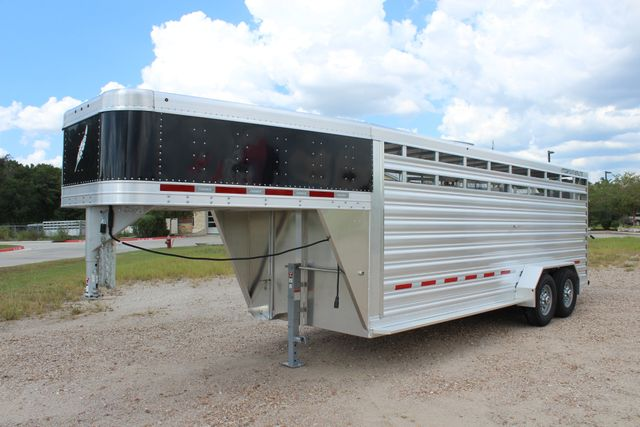 2020 Featherlite 8117 - 20 STOCK 20' GN LIVESTOCK & CATTLE CONROE, TX 7