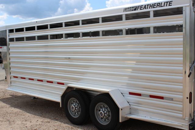 2020 Featherlite 8117 - 20 STOCK 20' GN LIVESTOCK & CATTLE CONROE, TX 10