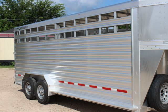 2020 Featherlite 8127 - 20 20' V-NOSE LIVESTOCK TRAILER 7' TALL & 7'WIDE CONROE, TX 1