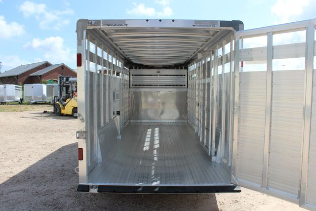 2020 Featherlite 8127 - 20 20' V-NOSE LIVESTOCK TRAILER 7' TALL & 7'WIDE CONROE, TX 22