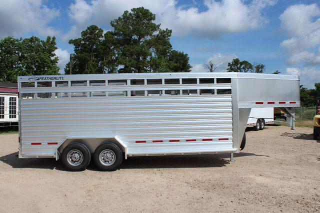 2020 Featherlite 8127 - 20 20' V-NOSE LIVESTOCK TRAILER 7' TALL & 7'WIDE CONROE, TX 28