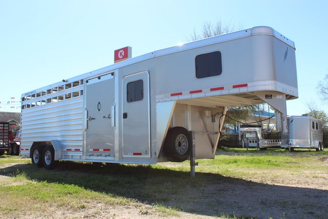 2020 Featherlite 8413 - STOCK COMBO 24' LIVESTOCK COMBO WITH 4' TACK CONROE, TX 1