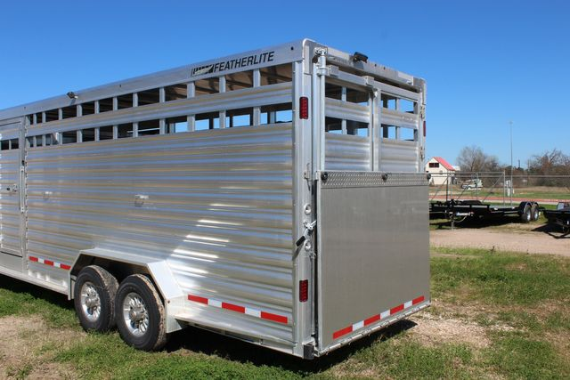 2020 Featherlite 8413 - STOCK COMBO 24' LIVESTOCK COMBO WITH 4' TACK CONROE, TX 12
