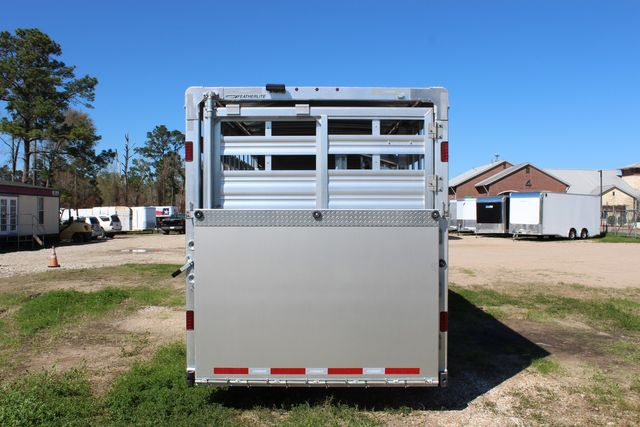 2020 Featherlite 8413 - STOCK COMBO 24' LIVESTOCK COMBO WITH 4' TACK CONROE, TX 13