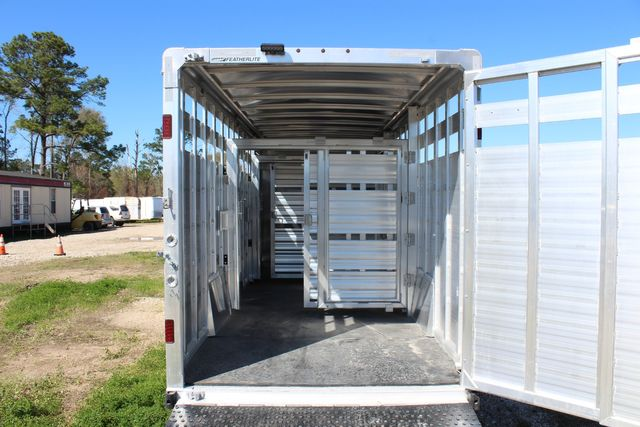 2020 Featherlite 8413 - STOCK COMBO 24' LIVESTOCK COMBO WITH 4' TACK CONROE, TX 17