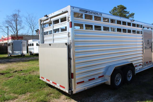 2020 Featherlite 8413 - STOCK COMBO 24' LIVESTOCK COMBO WITH 4' TACK CONROE, TX 21
