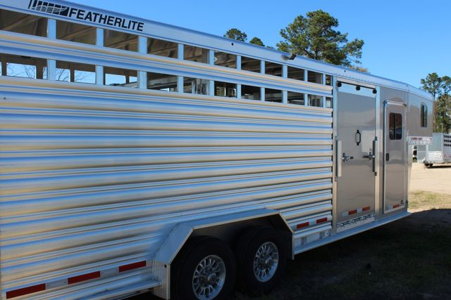 2020 Featherlite 8413 - STOCK COMBO 24' LIVESTOCK COMBO WITH 4' TACK CONROE, TX 22